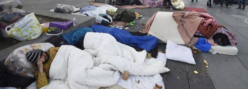 À Paris, des Afghans campent place de la République