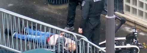 Un an après Charlie, un terroriste attaque un commissariat parisien au nom de Daech
