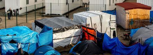 Migrants: un camp de conteneurs ouvre à Calais