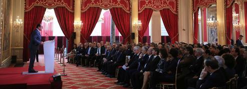 Hollande promet l'accélération des frappes contre Daech en 2016
