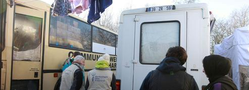 Calais: la délicate mission des gynécos de la «jungle»