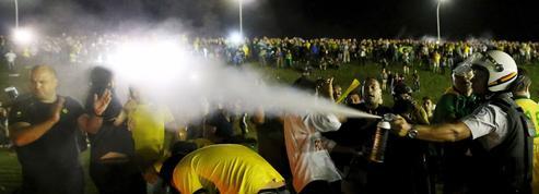 Brésil: la bataille politique est dans la rue