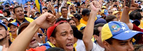 Venezuela : le président déclare l'Etat d'exception, l'opposition occupe la rue