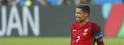 «Cherche le contact du papillon de Ronaldo pour projet professionnel»