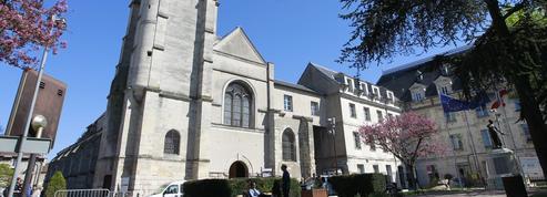 À Villejuif, l'attentat déjoué l'année dernière contre l'église est dans toutes les têtes