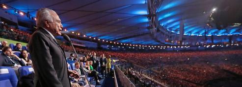 Le président brésilien hué et sifflé lors de la cérémonie d'ouverture