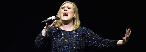 Malade, Adele annule son concert et s'excuse sur Twitter