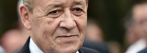 Rafale: Hollande envoie Le Drian en Inde