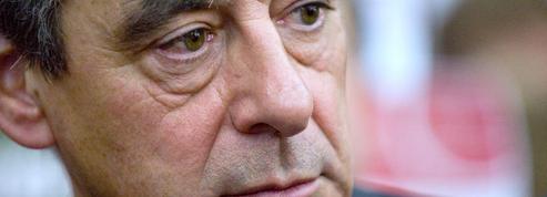 Fillon aimerait voir Hollande et Sarkozy comparaître devant le Conseil constitutionnel