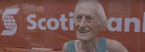 A 85 ans, il fait voler en éclats le record du monde de marathon