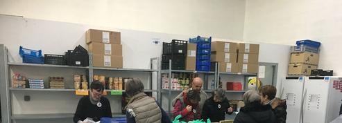 Une journée dans un centre de distribution des Restos du Cœur