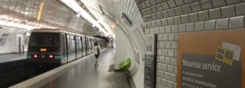 Déraillement d'un métro à Paris : le trafic reste interrompu sur une partie de la ligne 2
