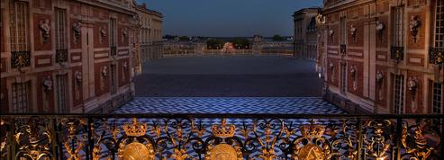 Courtisan à Versailles: découvrez un numéro exceptionnel à télécharger sur iPad