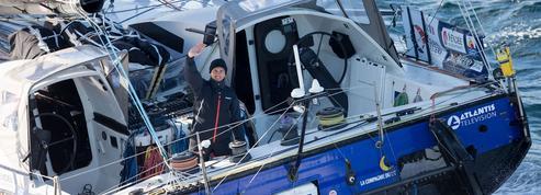 Vendée Globe : à court de carburant, un skipper se fait aider par un cargo