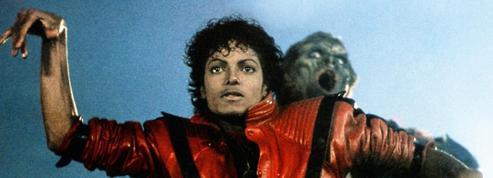 Avec Thriller ,Michael Jackson établit un nouveau record de ventes aux États-Unis
