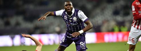 Un joueur de Toulouse prêté par le PSG suspecté dans une affaire de blessure par balle