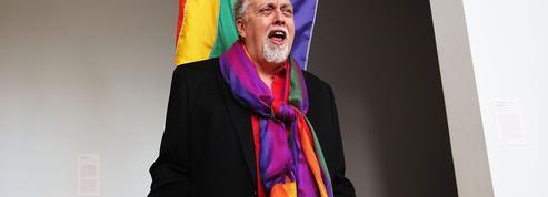 Gilbert Baker, inventeur du drapeau LGBT, est décédé