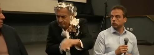 Le philosophe Bernard-Henri Lévy entarté à Belgrade