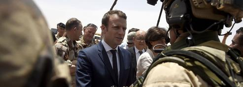 Macron aux soldats de l'opération Barkhane : «Vous êtes des exemples»