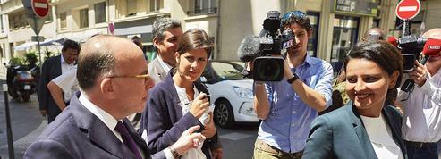 Législatives: Cazeneuve, le secouriste des candidats PS