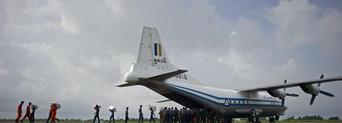 Birmanie : un avion militaire s'écrase avec une centaine de personnes à bord