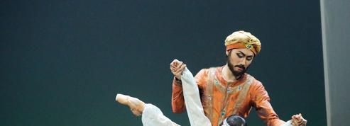Kader Belarbi à l'abordage du Corsaire au théâtre des Champs-Élysées