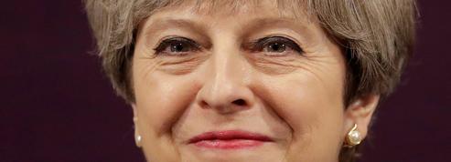 La «petite larme» de Theresa May après les résultats des législatives