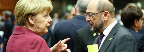 Législatives allemandes: Merkel tient toujours Schulz à distance