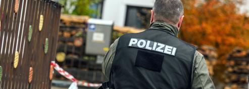 Cinq personnes blessées après une attaque à la tronçonneuse