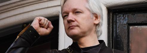 WikiLeaks publie l'intégralité des «Macron Leaks», LREM riposte en justice