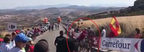 Agression, bavure, chutes : journée folle et ahurissante sur la Vuelta