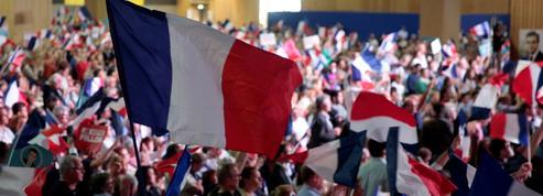 Face à Emmanuel Macron, la droite en quête d'identité