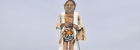 Grande Bretagne : une effigie de Harvey Weinstein brûlée sur la place publique