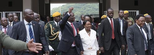 Zimbabwe : Mnangagwa prend officiellement la suite de Mugabe