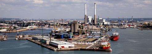Macron promet la fermeture des centrales à charbon