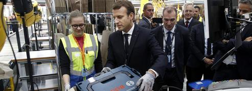 Luc Rouban: «Emmanuel Macron s'engage dans un libéralisme par le travail»