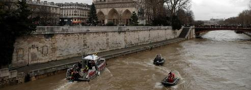 La policière disparue dans la Seine à Paris reste introuvable