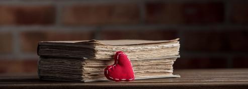 La mort parle plus que l'amour en français