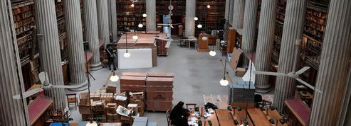 Le plus grand déménagement de livres de l'histoire grecque a commencé