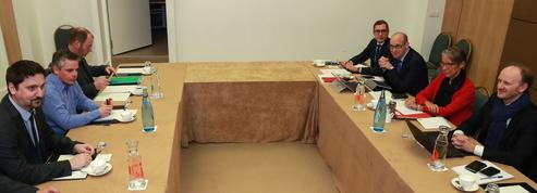 Réforme de la SNCF : la mobilisation syndicale prête à s'embraser