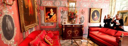Les folles enchères de la vente à l'encan du mobilier du Ritz à Paris