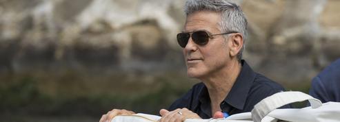 George Clooney, les images de son spectaculaire accident de scooter en Sardaigne