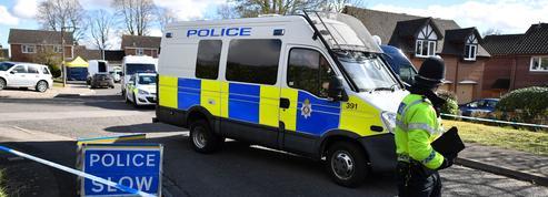 Royaume-Uni : cinq hommes inculpés pour l'agression d'un enfant à l'acide