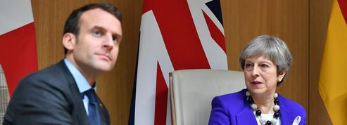 Brexit : Theresa May vient chercher l'aide d'Emmanuel Macron