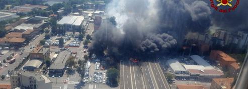 Au moins un mort et plus de 40 blessés dans l'explosion d'un camion à Bologne