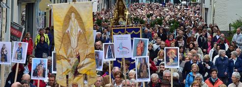 Dans le Nord, l'Église face au succès des dévotions populaires