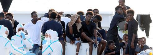 Migrants: Bruxelles balaie les «menaces» italiennes