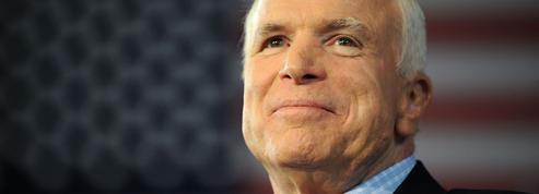 Quand McCain, alors prisonnier au Vietnam, témoignait sur son lit d'hôpital