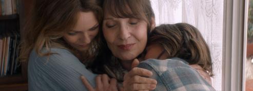 Vanessa Paradis, Chantal Lauby, Camille Cottin forment une famille formidable