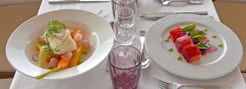 Le Panoramique, un dîner illuminé par la belle allure des trotteurs